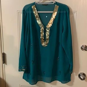 Exquisite tunic top. Dressy. Like new!!
